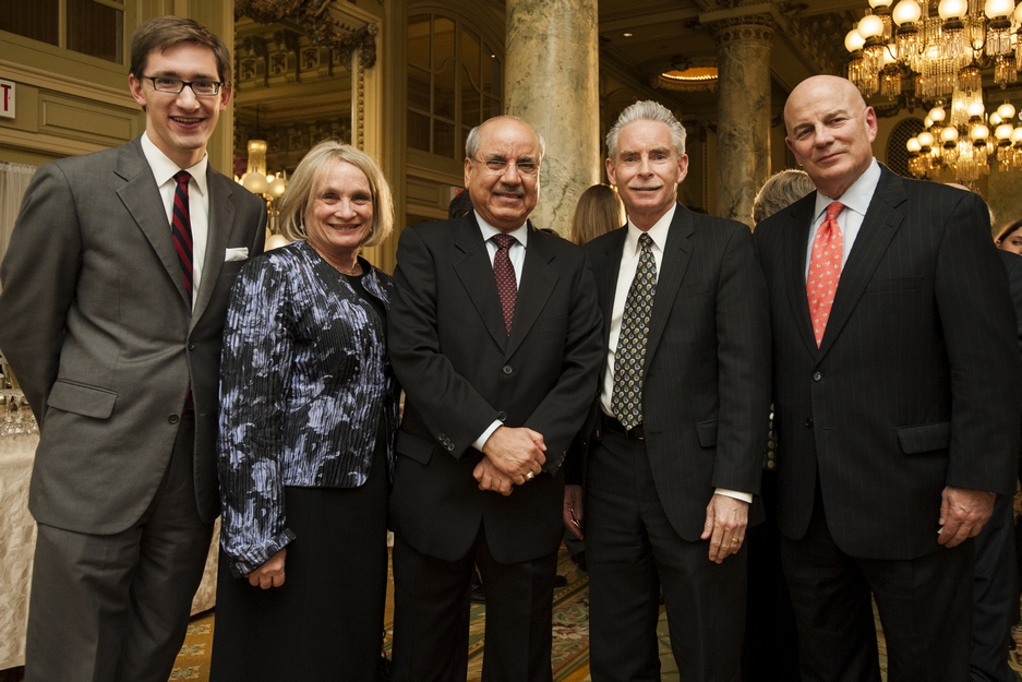 arab-leagues-68th-anniversary-guests-group-photo-